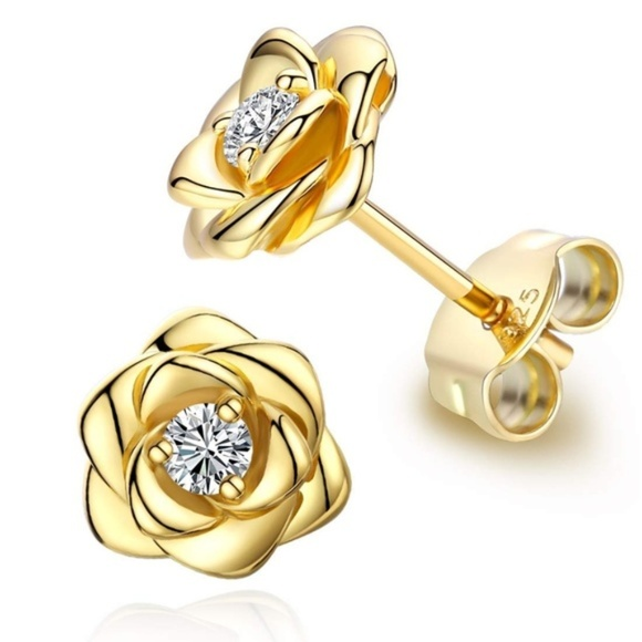 e95886c27b7f1 Gold Plated Rose Flower Ear Studs NWT